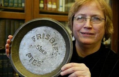 ultimate frisbee history about frisbee pies